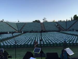 מבט מהבמה. עוד רגע יהיו פה 6000 איש ואישה